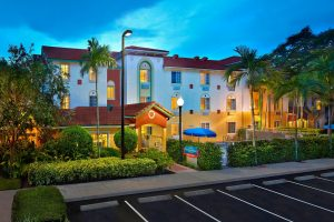TownePlace Suites Fort Lauderdale Weston ewxterior image dusk